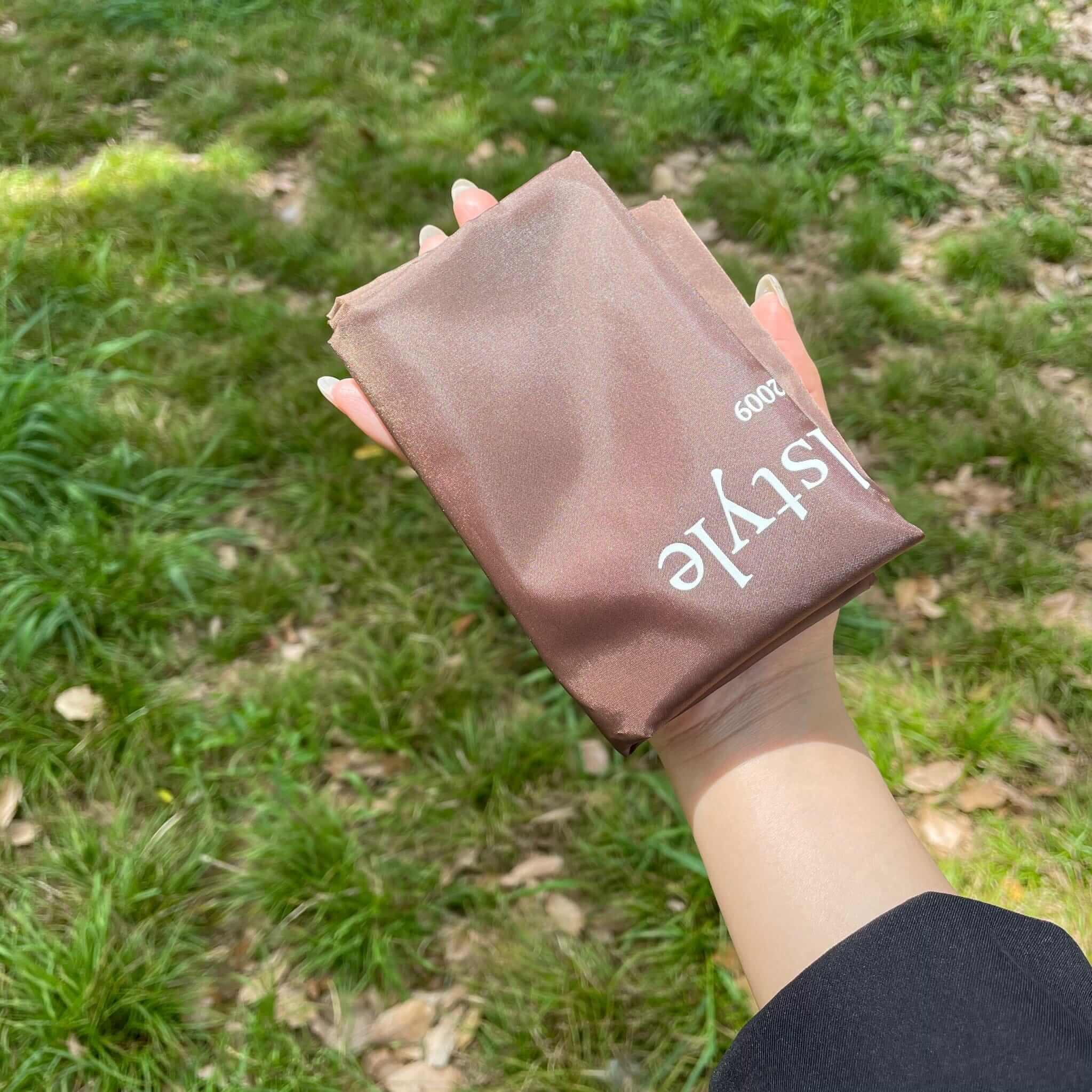 手のひらサイズに折り畳み可能